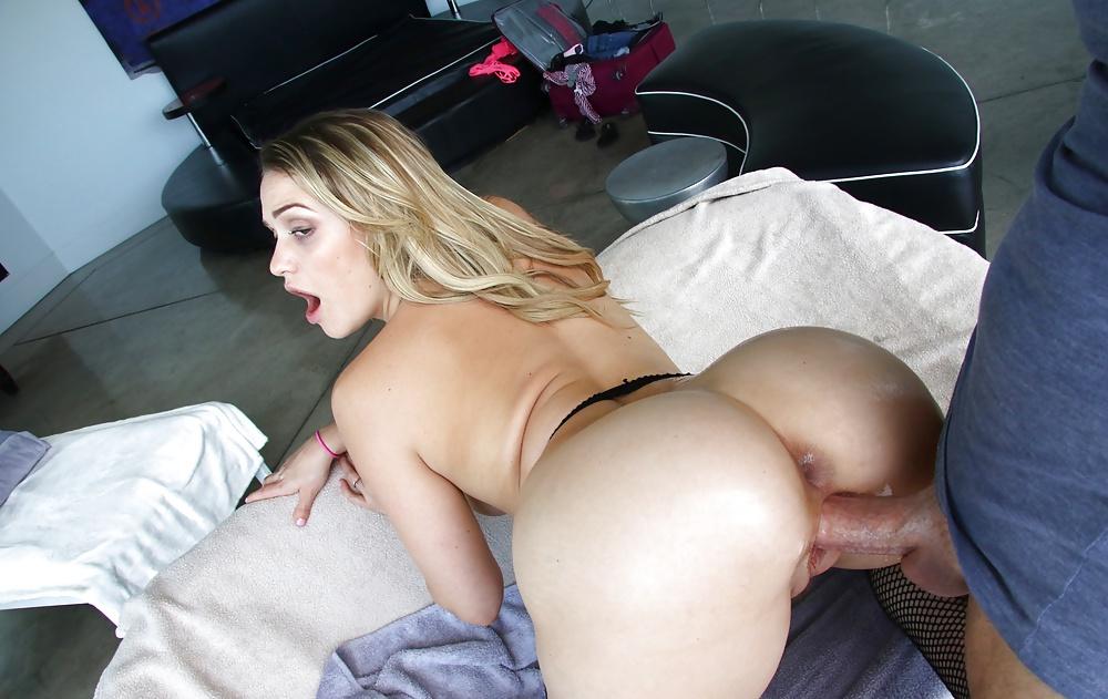 Mia Malkova In Digital Desire Set Shows Off Her Perfect Butt Nipples Panties